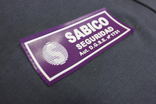 Etiquetas para indumentaria laboral