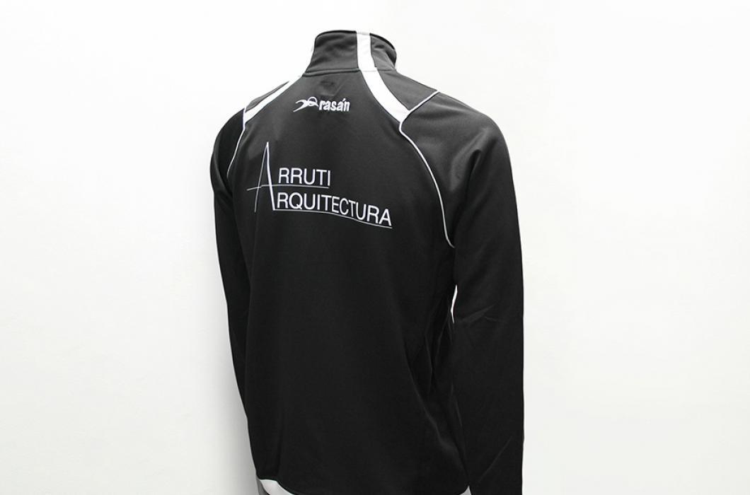 Marcaje industrial textil de prendas deportivas, ya sean piezas pre-confeccionadas o prendas finales