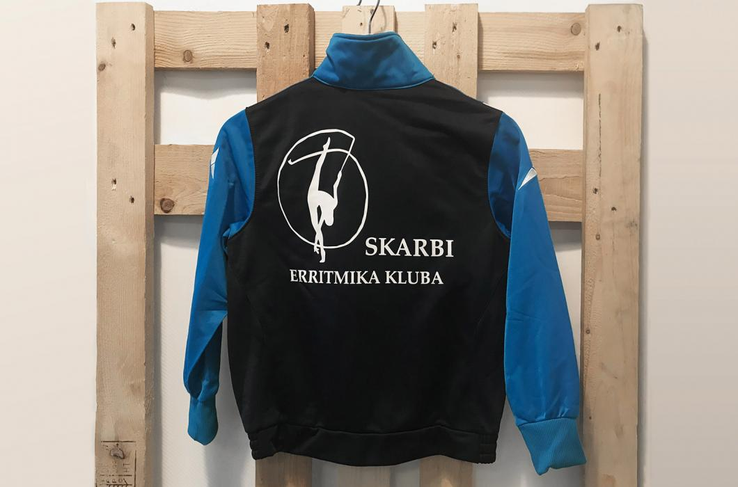 Experience in industrial textile marking for athletic wear, either pre-sewn pieces or final garments